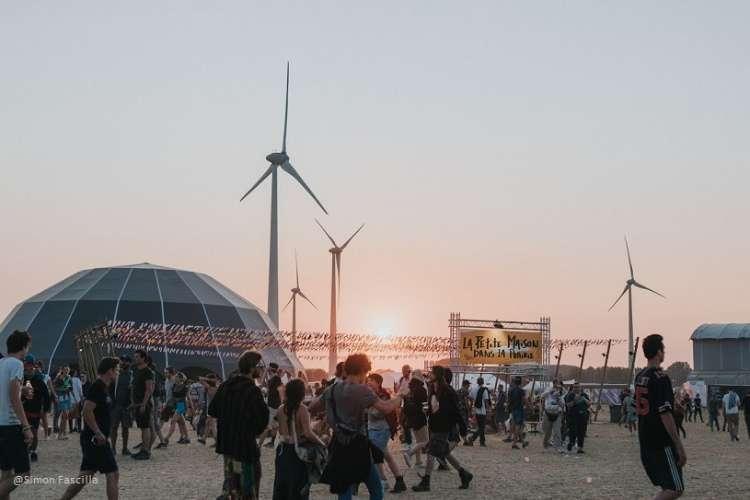 Dour 2018 - D3- Ambiance coucher de soleil - Simon Fascilla.JPG